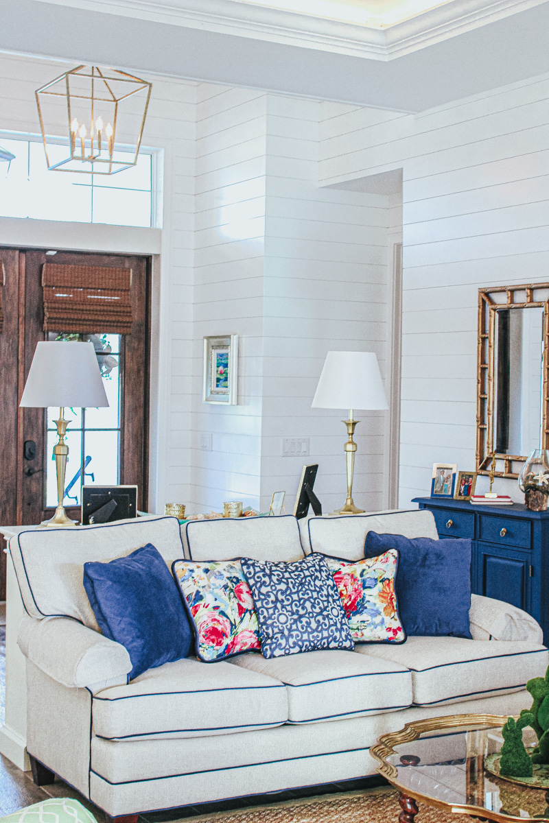 Classic Coastal Home : The Living Room